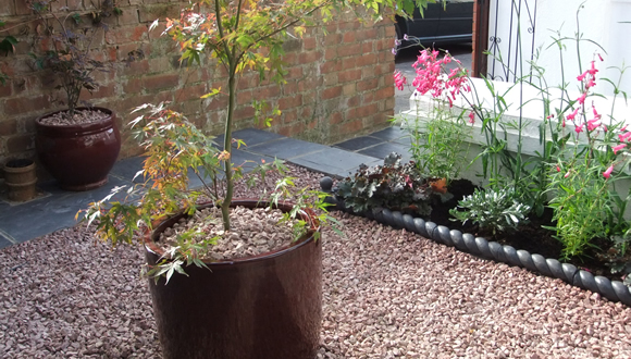 a5-small-front-garden-design