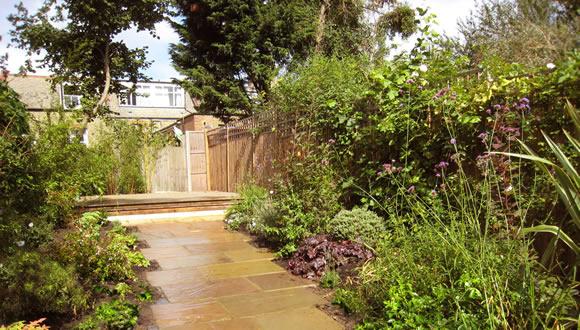 d1-mediterranean-garden-design