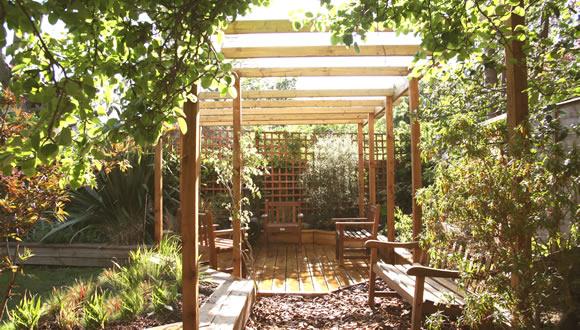 f2-pergola-with-octagonal-decking-garden-design