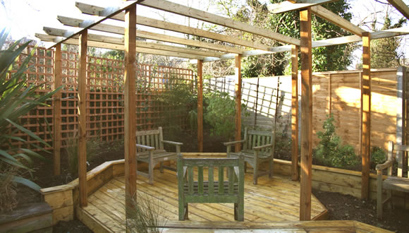 f3-pergola-with-octagonal-decking-garden-design